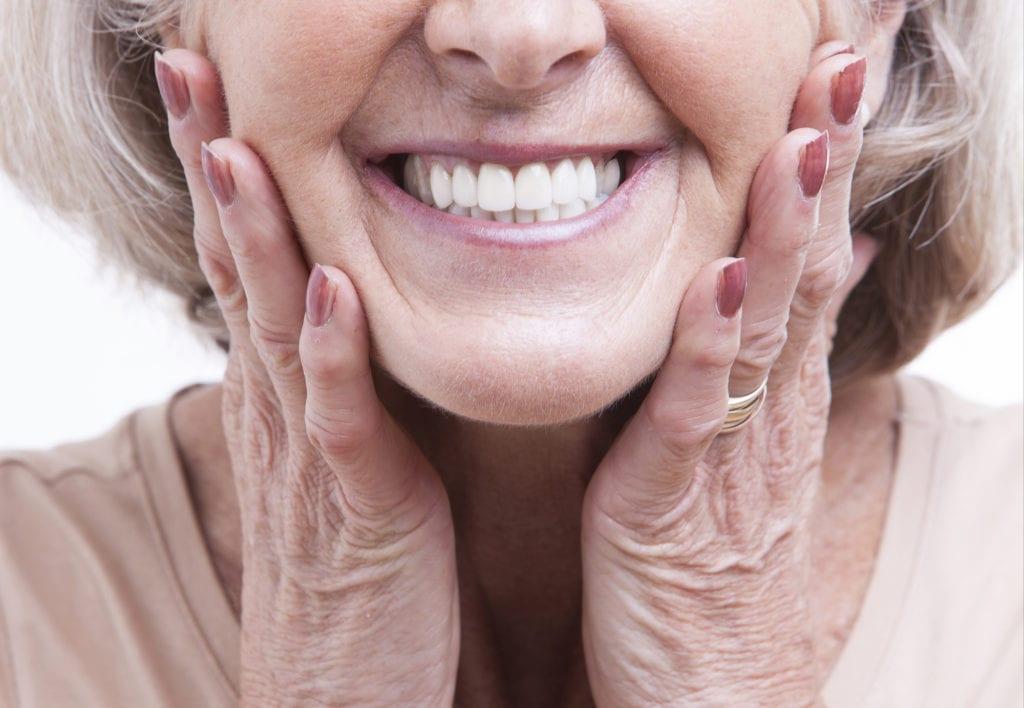 Munddusche Zahnimplantat