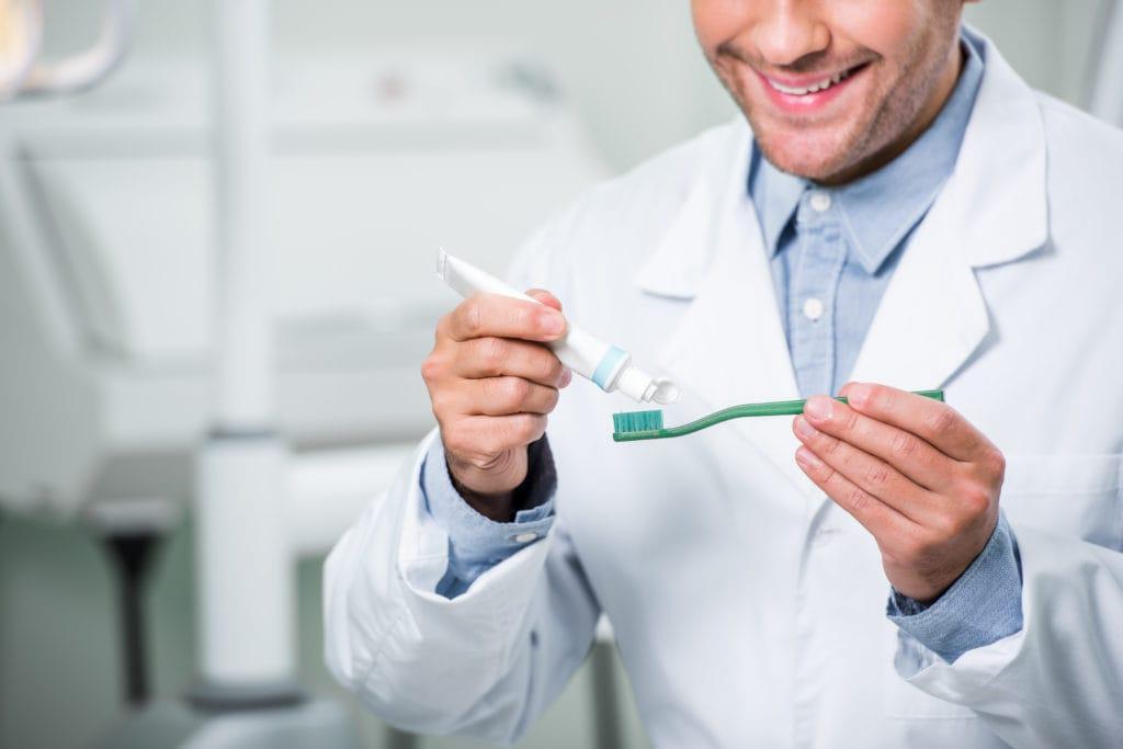 Zahnreinigung der Zahnpasta
